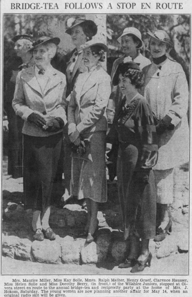 Mrs. Maurice Miller, Miss Kay Solle, Mmes. Ralph Mather, Henry Graef, Clarence Hausser, Miss Helen Solle and Miss Dorothy Berry (in front)